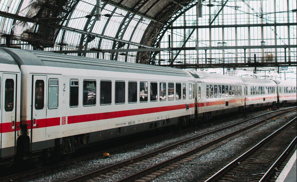 Reis per trein en bespaar veel CO2-uitstoot