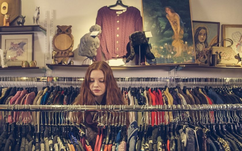Breng kleding die je niet meer draagt naar