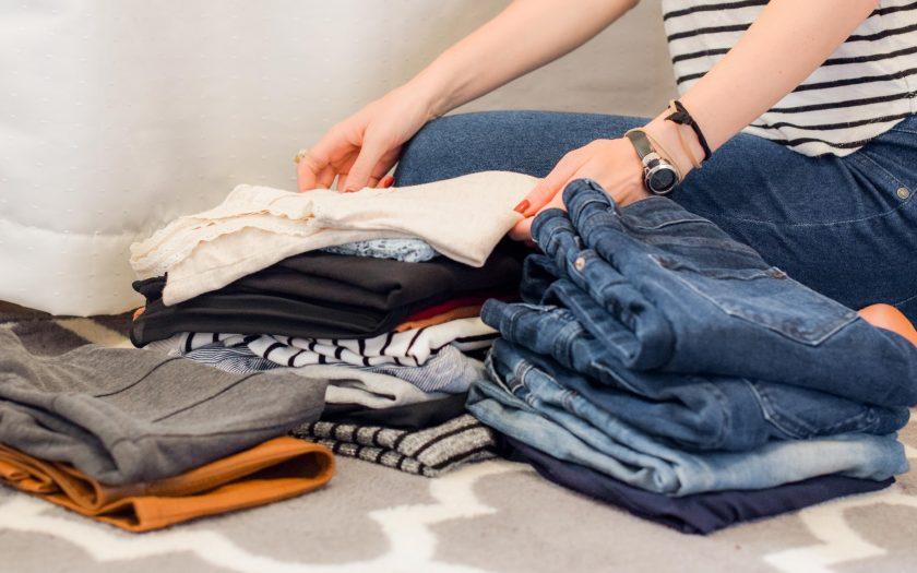 Ontspullen met kleding